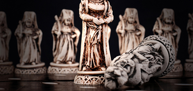carved-chess-pieces